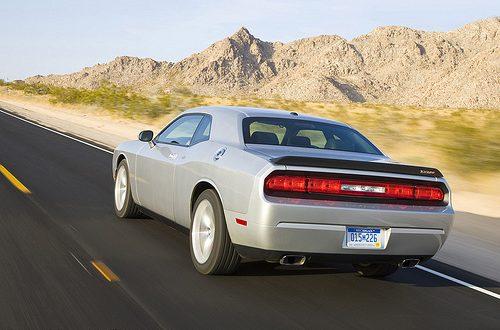 Dodge Challenger SRT8 vs