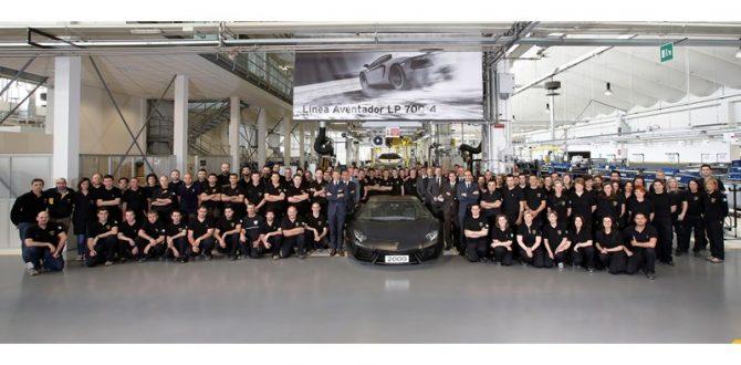 lamborghini-media-center-a-milestone-for-automobili-lamborghini-2000-aventadors-produced
