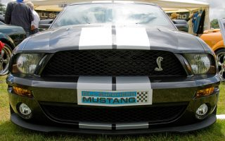 V8 Ford Mustang GT500 Shelby Fastback